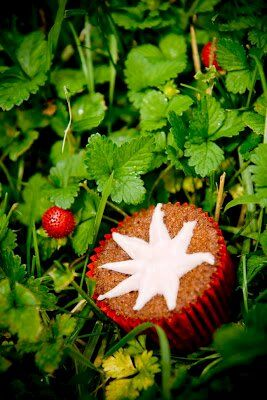 Multigrain Cupcakes with Strawberries: Revisiting the Strawberry Cupcake