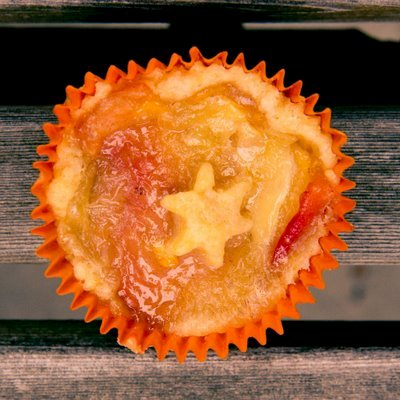 Peach Pie Cupcakes with Brie