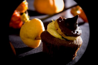Chocolate Pumpkin Witch Cupcakes