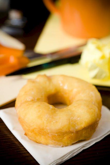 How To Make Copycat Krispy Kreme Doughnuts