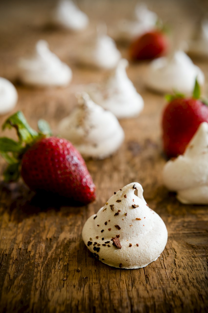Strawberry Rhubarb Meringue Cookies