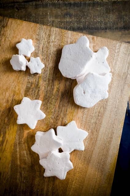 Homemade Manischewitz-flavored Marshmallows