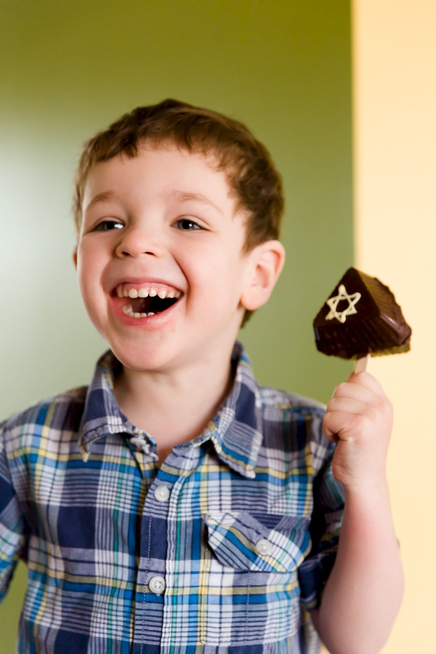 Edible Purim Groggers (They Actually Make Noise!)