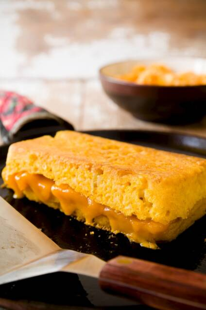 Grilled Cheese on Mac 'n' Cheese Bread