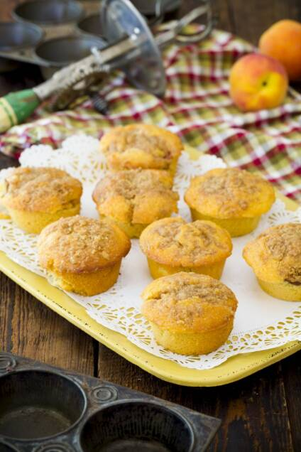Streusel-Topped Peach-Stuffed Corn Muffins