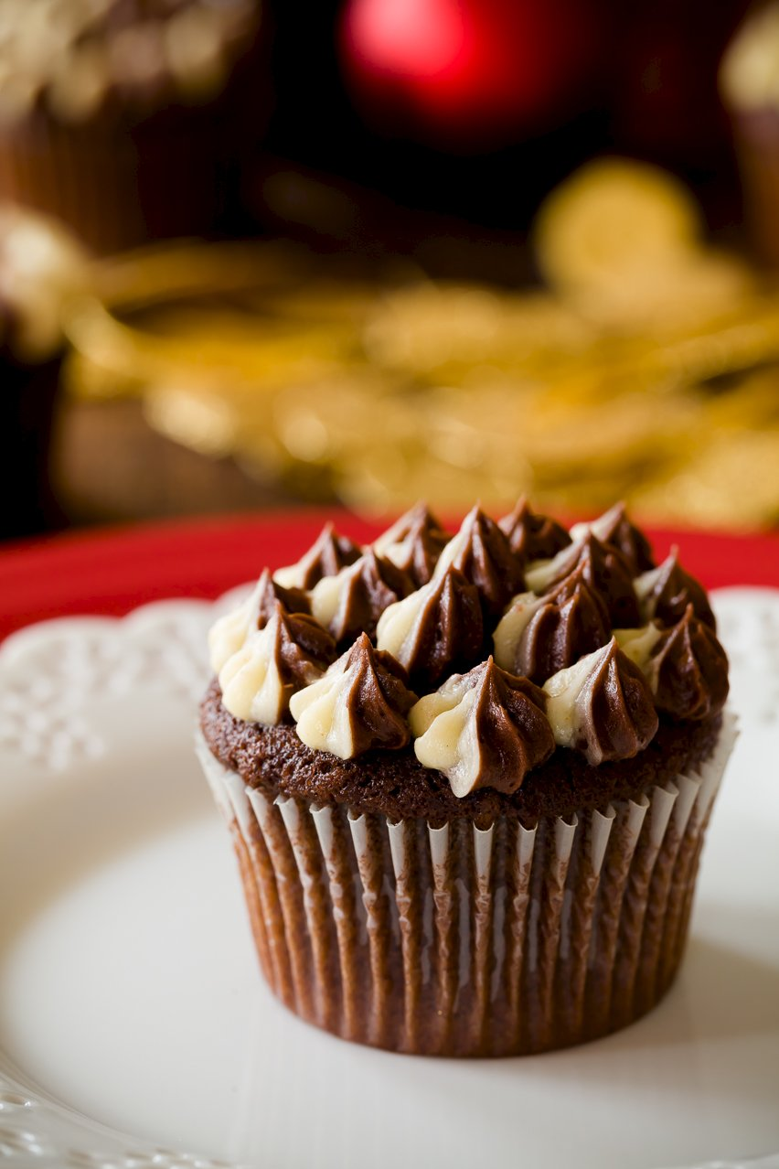 Chocolate Eggnog Christmas Cupcakes