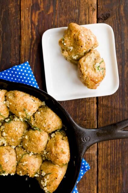 Passover Pull-Apart Garlic Rolls
