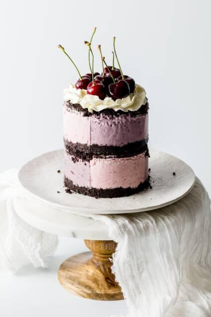 No-Bake Mixed Berry Oreo Cheesecake