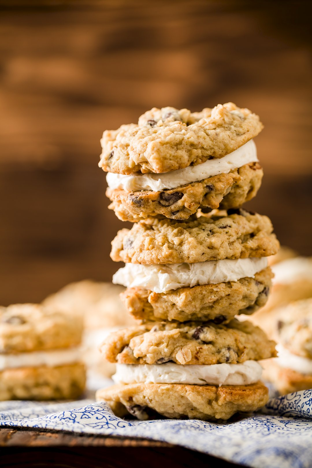 Oatmeal Cream Pies – Soft and Chewy Sandwich Cookies