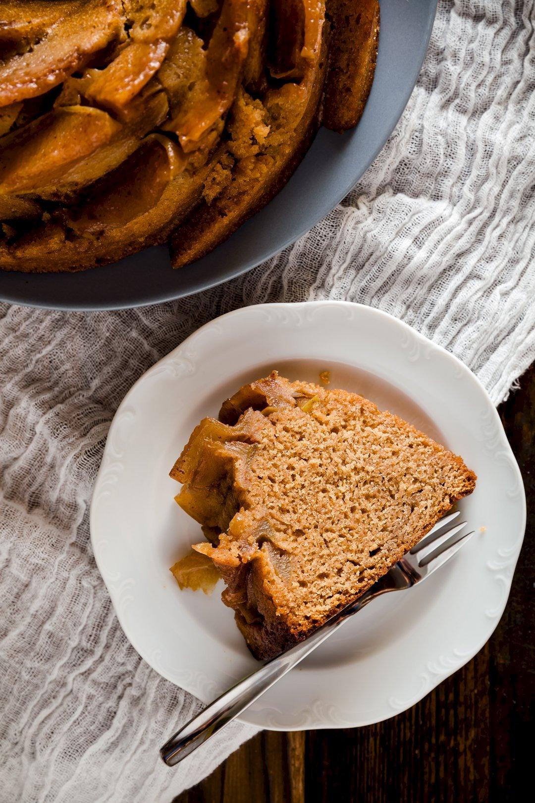 Apple and Honey Bundt Cake