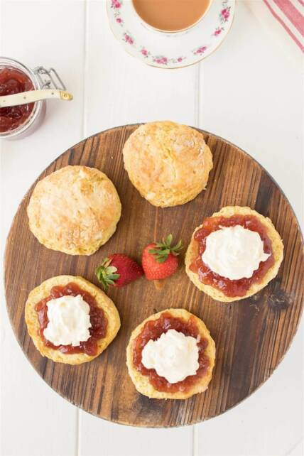 how to use clotted cream