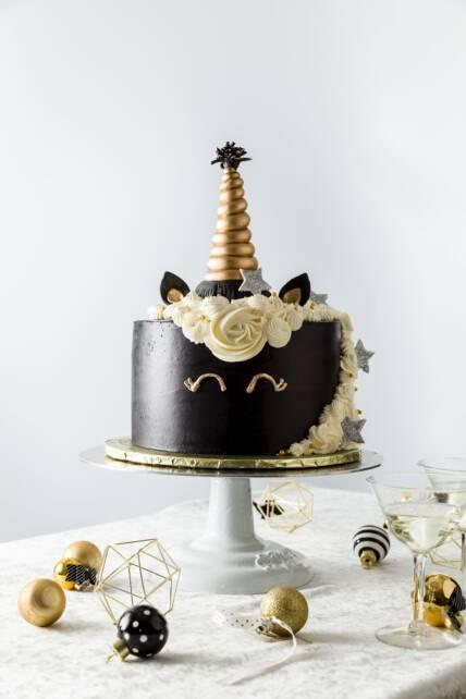 New Year's Unicorn Cake