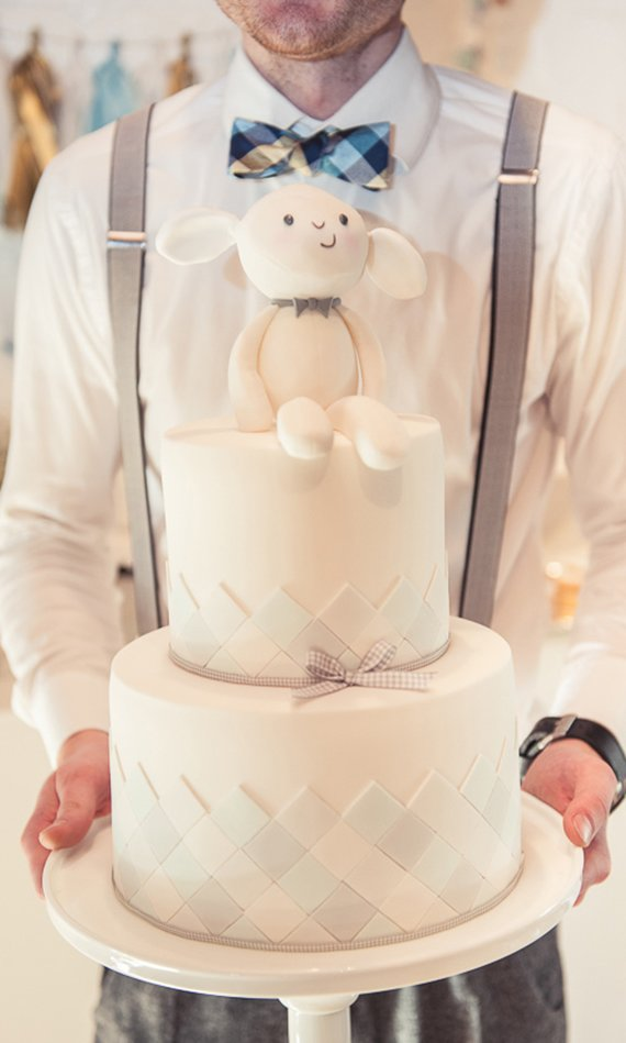 Stuffed Animal Baby Shower Cake