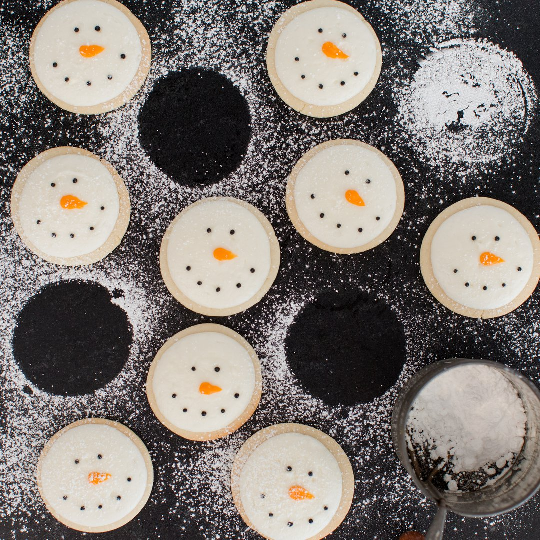 A plate of snowman cookies